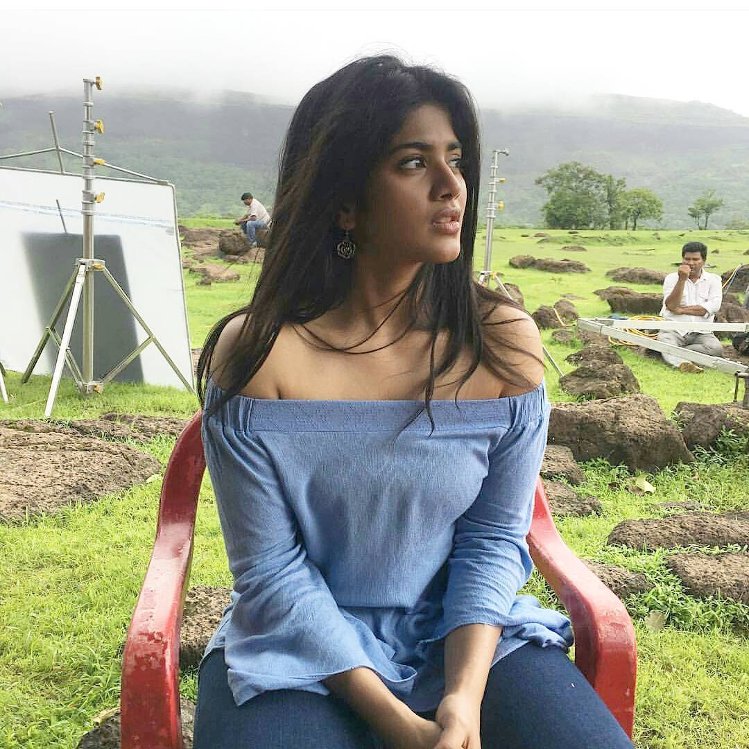 Pakka Tamil Hd Movies: Megha Akash Beautiful Hd Pics,Gorgeous Photos And