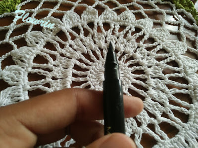 mizzu eyeliner pen swatch