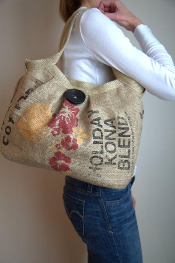 Pakaian ini nantinya akan dikenakan saat silaturahmi ke rumah sanak. Kerajinan tas dari karung goni bekas | Kerajinan Keren