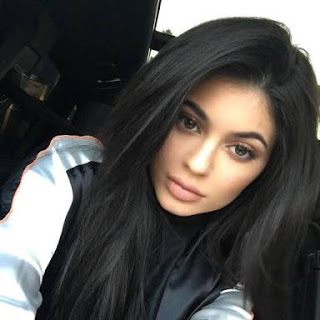 Celebrity with most selfies in Instagram interesting and amazing facts about selfies