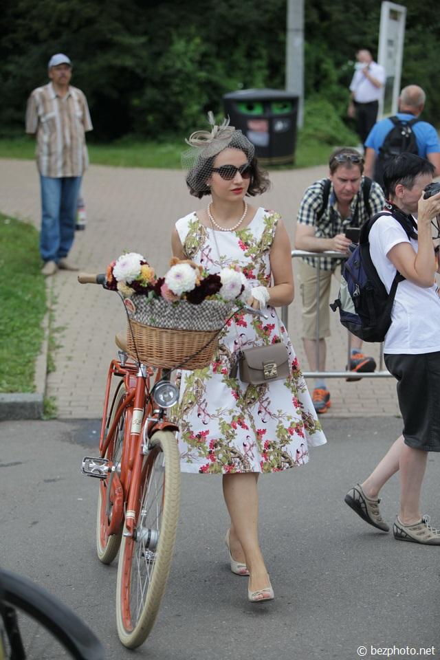 велопарад леди на велосипеде