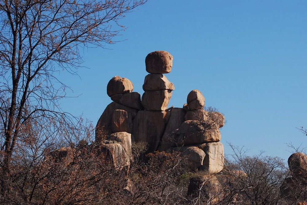 La formation granitique la plus connue du parc des Matopos : la femme et ses enfants…