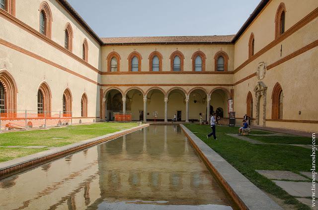Castillo Sforzesco visitar viaje Italia Milan