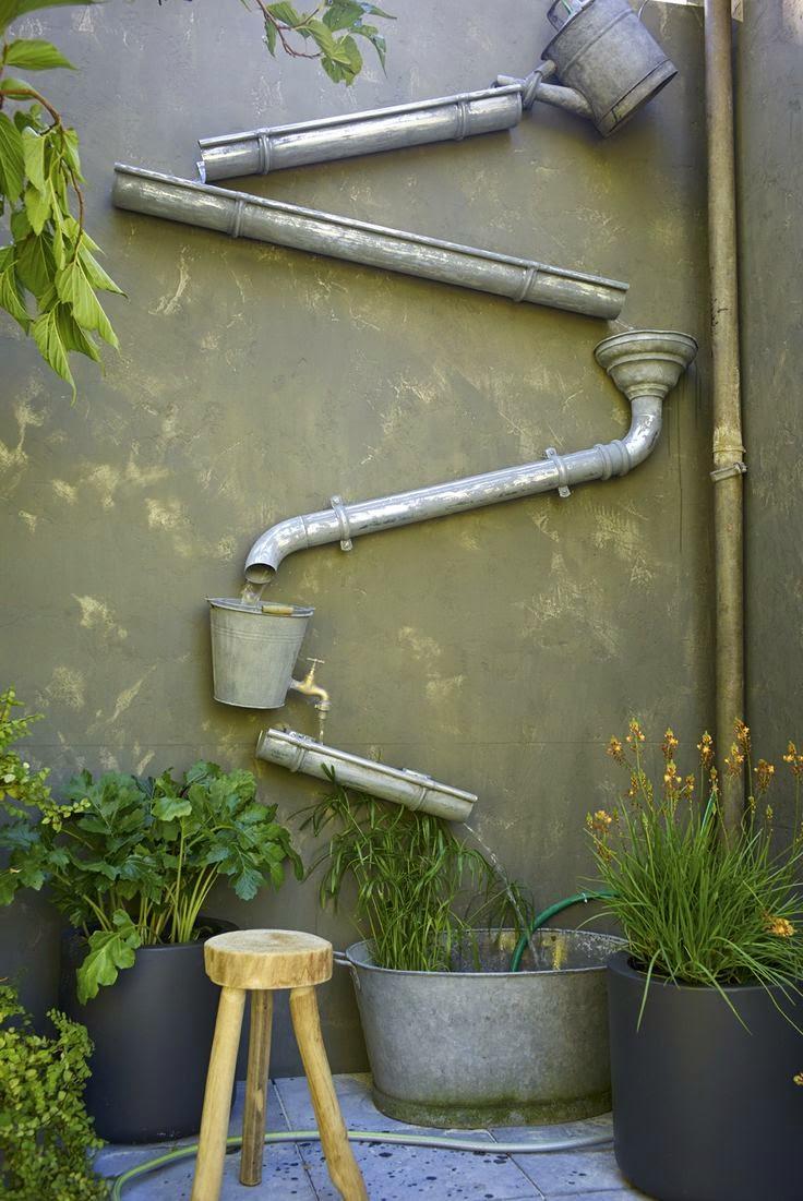 Une gouttière pour récupérer l'eau originale