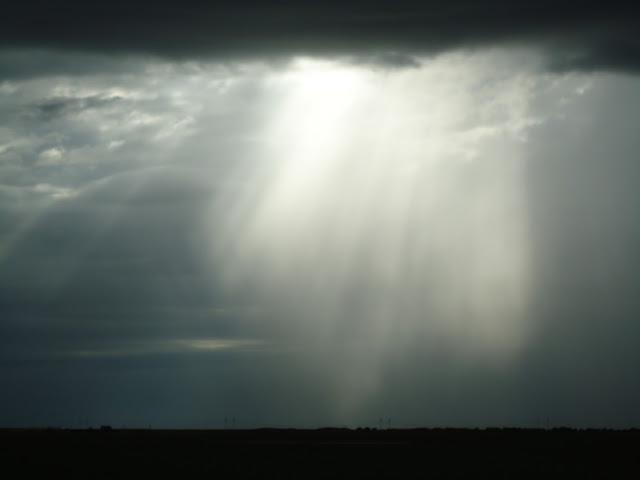 tormenta y rayo de sol