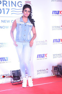 Actress Iniya Stills in Denim Jeans at Max Spring 2017 Collection Launch  0002.jpg
