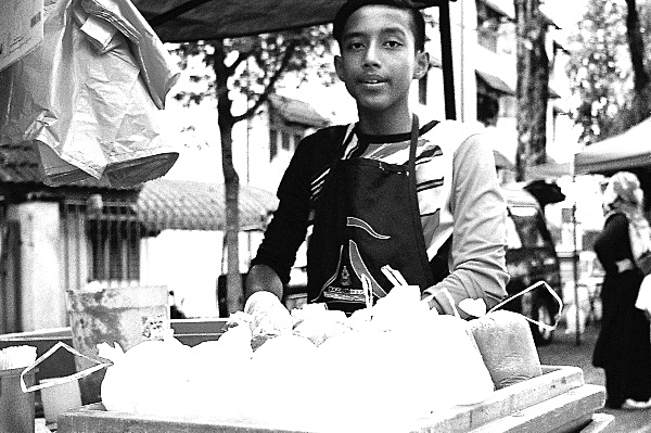Analog Diary, At The Ramadan Bazaar 03