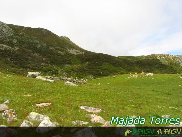 Ruta al Pico Torres y Valverde: Majada del Torres