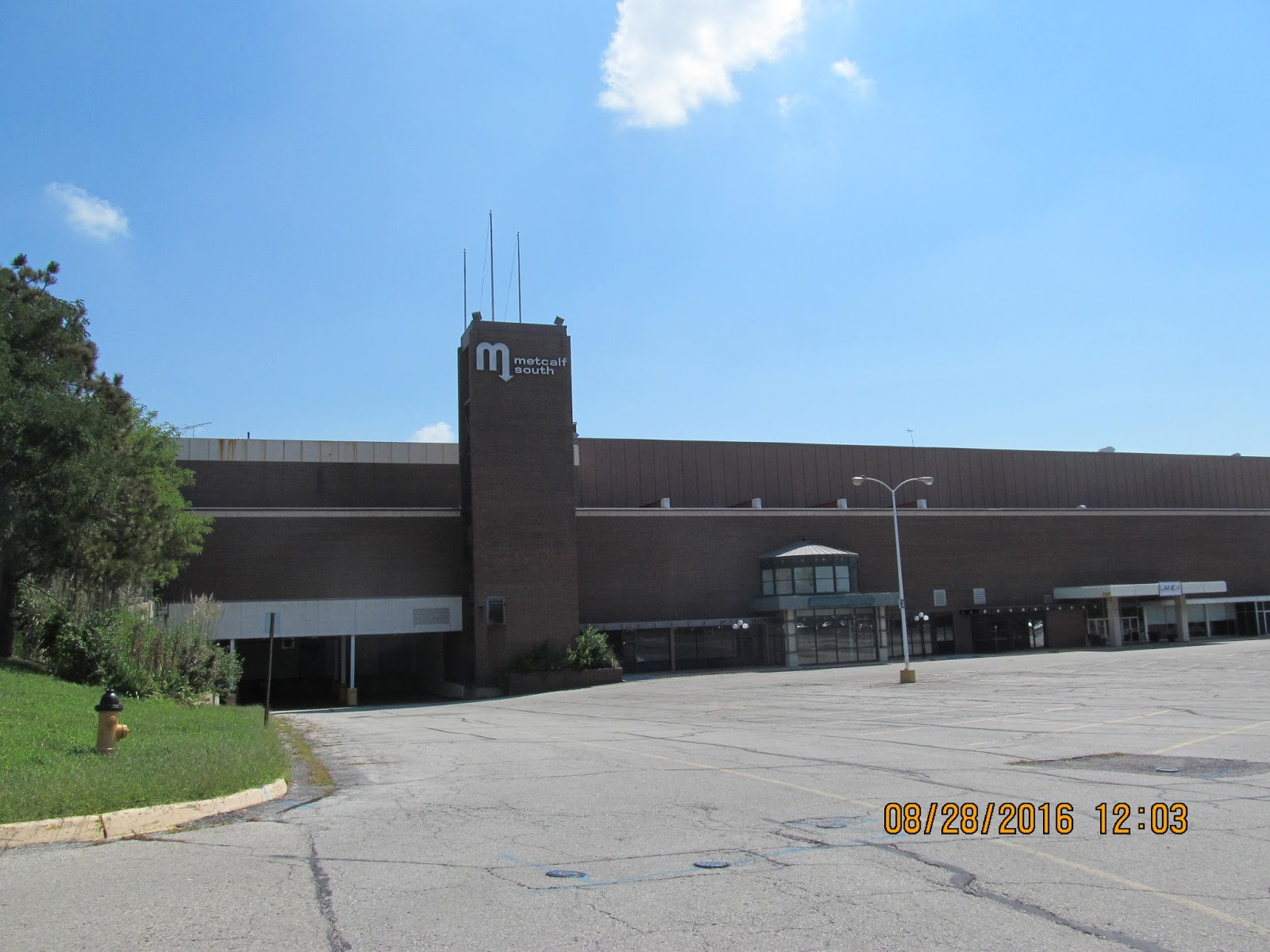 Metcalf Auto Plaza >> Trip to the Mall: Metcalf South 8/16 Update- Overland Park, Kansas