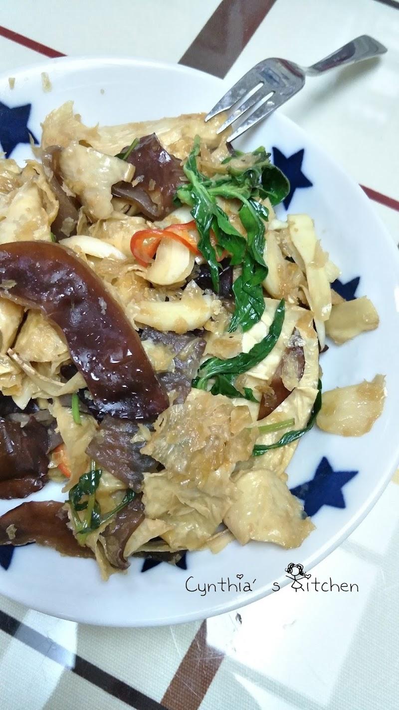 塔香炒豆皮(腐竹炒木耳)