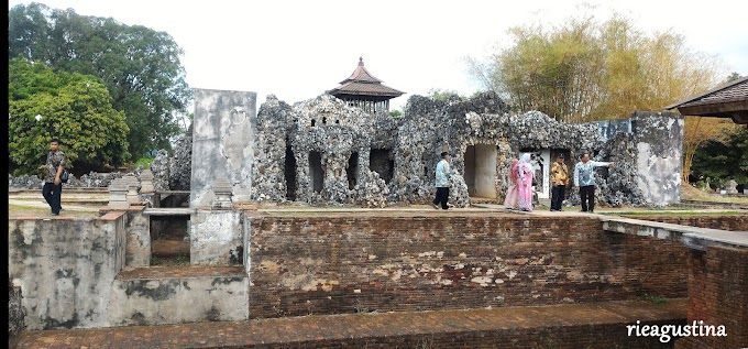Sisi Lain Goa Sunyaragi: Antara Mitos Terowongan Ghaib Hingga Mitos Jodoh