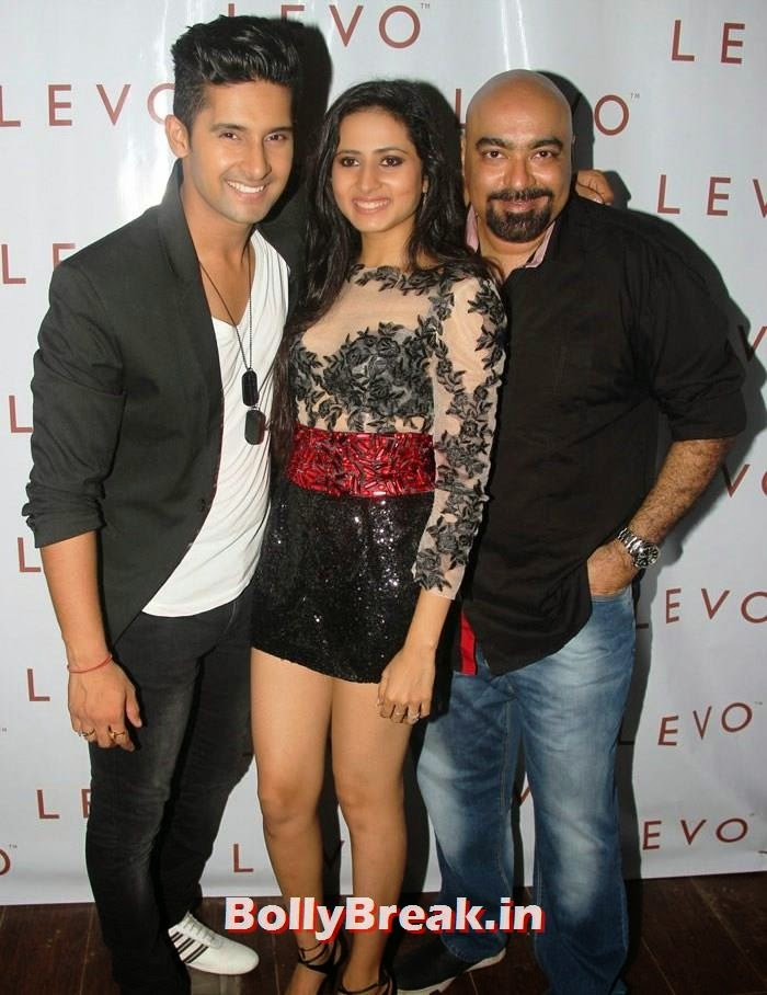 Ravi Dubey, Sargun Mehta, Vicky Tejwani, Hot Pics from Sargun Mehta Birthday Bash