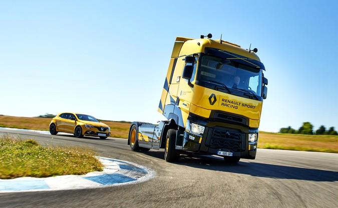 Renault Trucks apresenta série especial Sport Racing