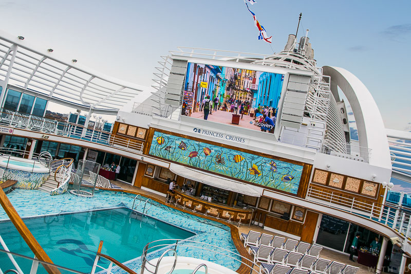 Swimming pool Emerald Princess, Outdoor cinema