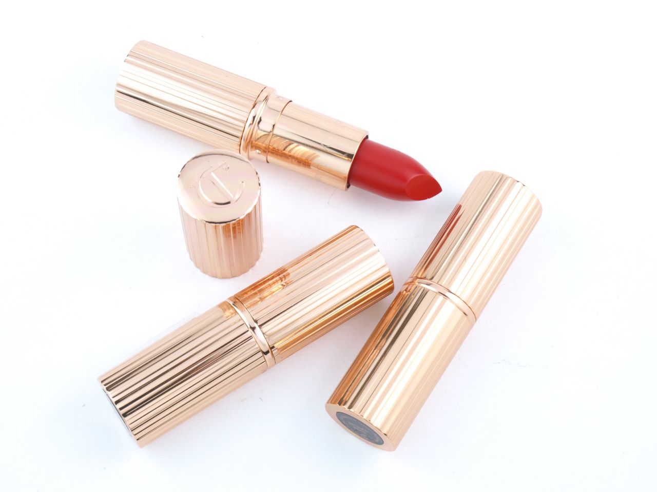 "Charlotte Tilbury K.I.S.S.I.N.G Lipsticks in ""Stoned Rose"", ""Love Bite"" & ""So Marilyn"": Review and Swatches"