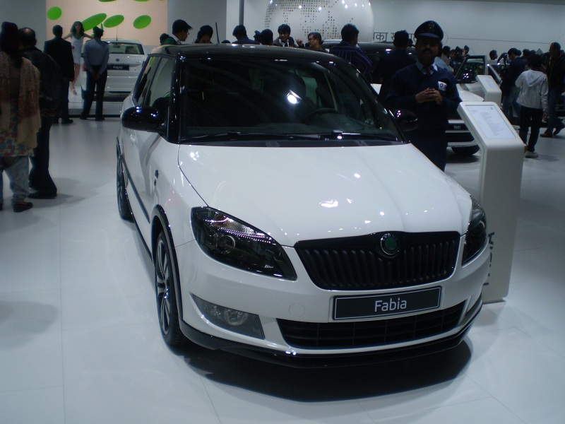 skoda fabia monte carlo 2012 features price specs and features. Black Bedroom Furniture Sets. Home Design Ideas