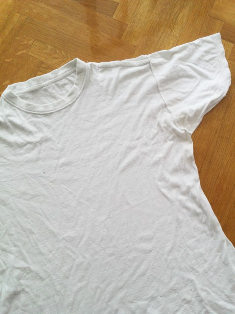 Stara majica kao navlaka za košaru