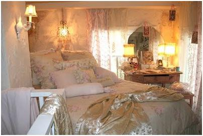 DECORATING A SMALL BEDROOM - HOW TO DECORATE A REALLY ...