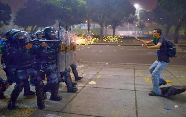 Resultado de imagem para opressão policial na venezuela