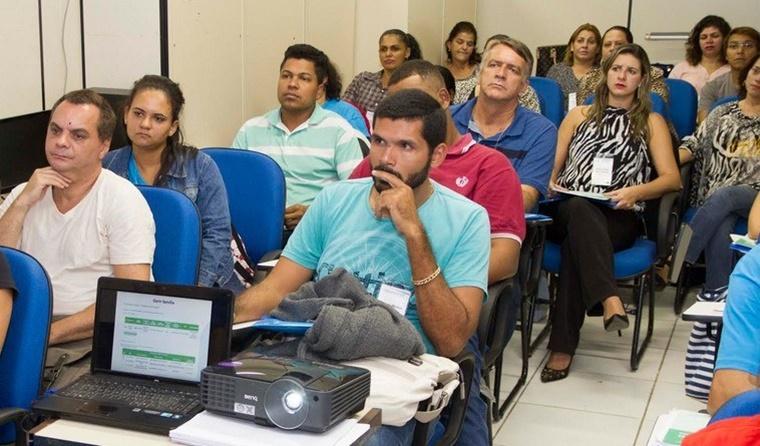 Curso gratuito e a distância capacita gestores do Bolsa Família