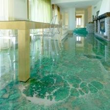 Consigli per la casa e l 39 arredamento pavimento in resina for Arredare casa costi