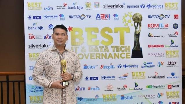 Sukses Bangun Smart City, Wali Kota Fasha Dianugerahi Award Best IT & DT Governance