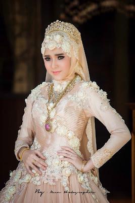 Contoh Foto Gaun Kebaya Muslim Anggun Glamour