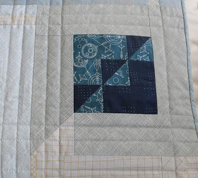 Luna Lovequilts - Modern sampler quilt - Detail