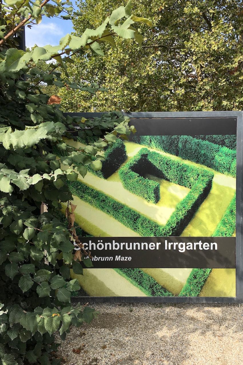 Eingang Irrgarten Schönbrunn