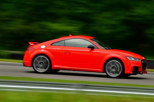Audi TT-RS 2018 - Vermelho