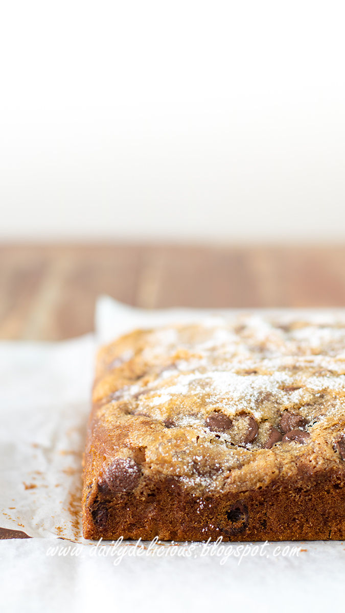 dailydelicious: Chocolate chip Snack Cake