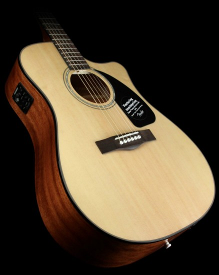 Guitar Fender CD-60CE