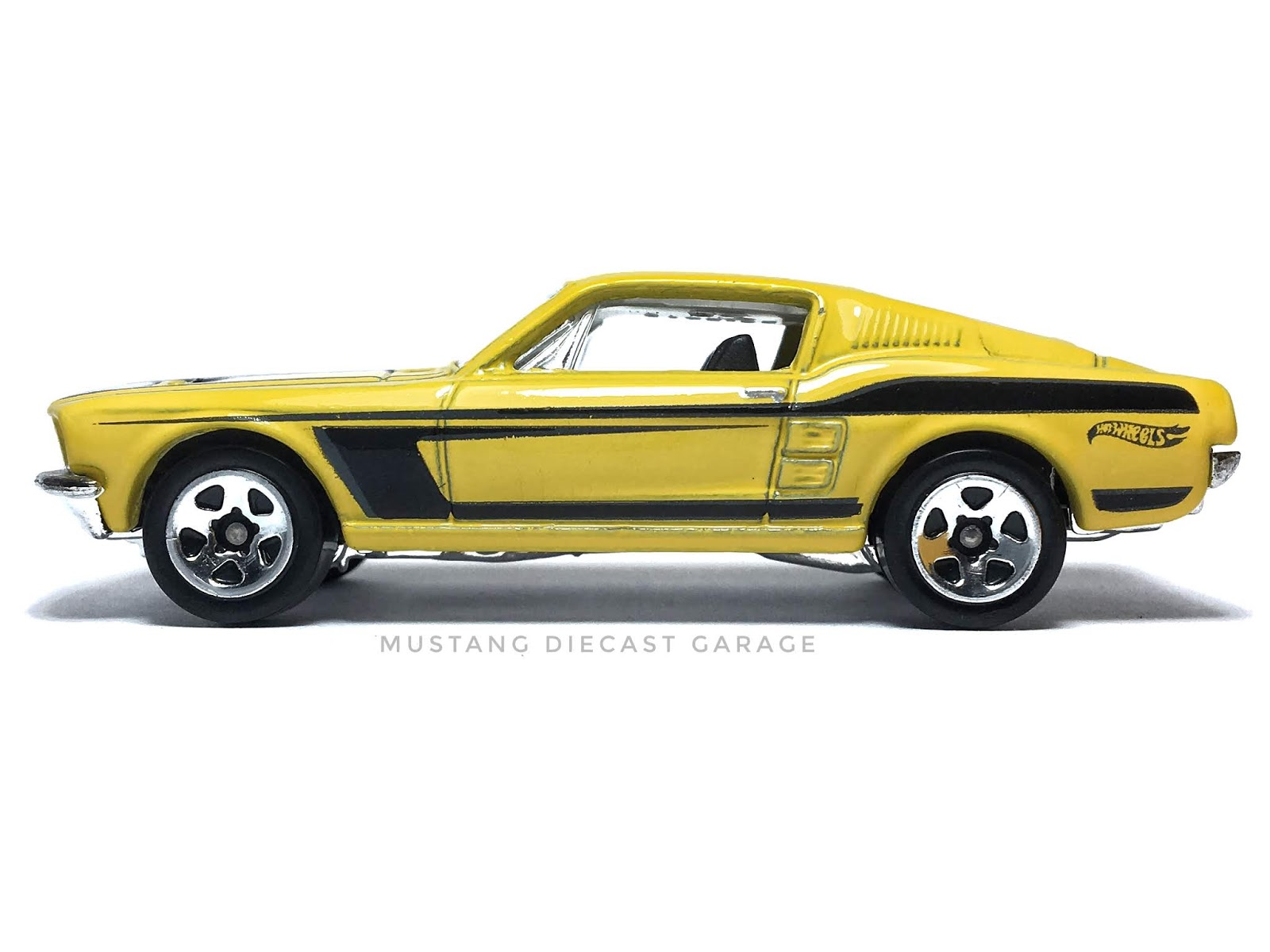 Hot wheels 1967 ford mustang series 2014 mustang 50 year exclusive สีเหลือง 164