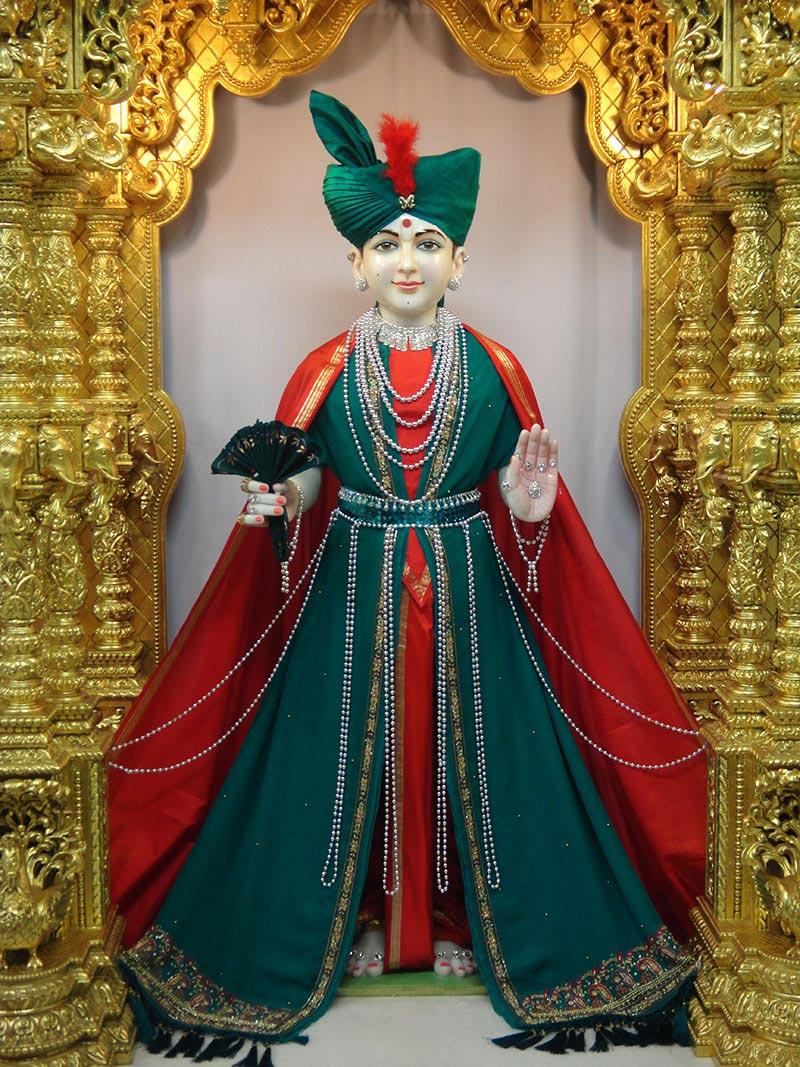 Ghanshyam Maharaj Wallpaper Hd Shreeswaminarayanbhagwan Ghanshyam Maharaj In New Clothes