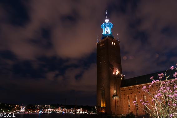Nocturna de la torre del ayuntamiento de Estocolmo