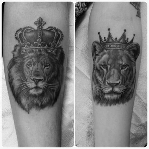 Aslan kral ve aslan kraliçe sevgili dövmesi