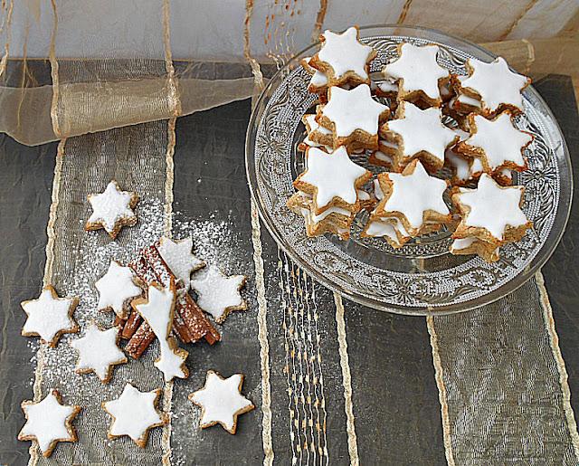 estrelas de amendoa e canela