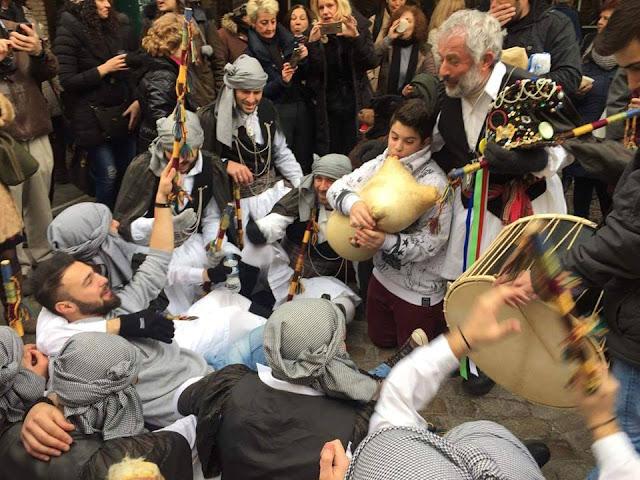 Οι Μωμόγεροι του Πρωτοχωρίου Κοζάνης, αναστάτωσαν και τους Θεσσαλονικείς