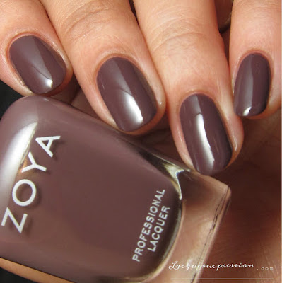 Nail polish swatch of Debbie from the Naturel 3 collection by Zoya