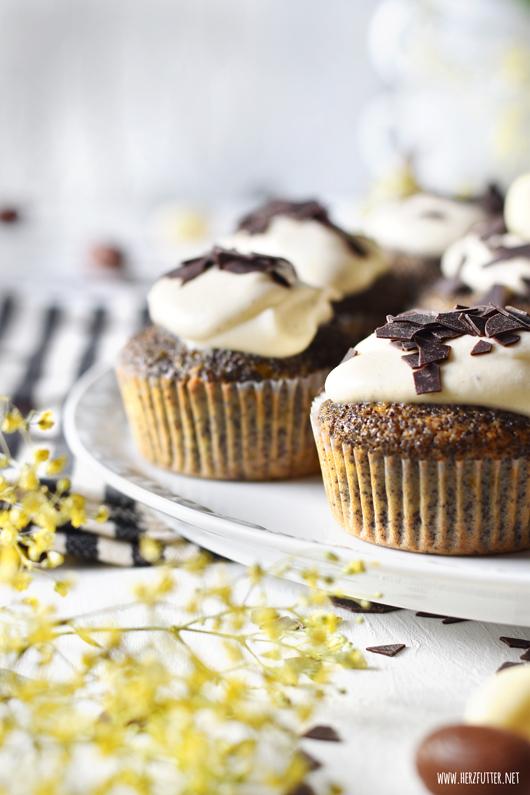 Rezept für Ostern: Eierlikörcupcakes mit Mohn und Mandarinen