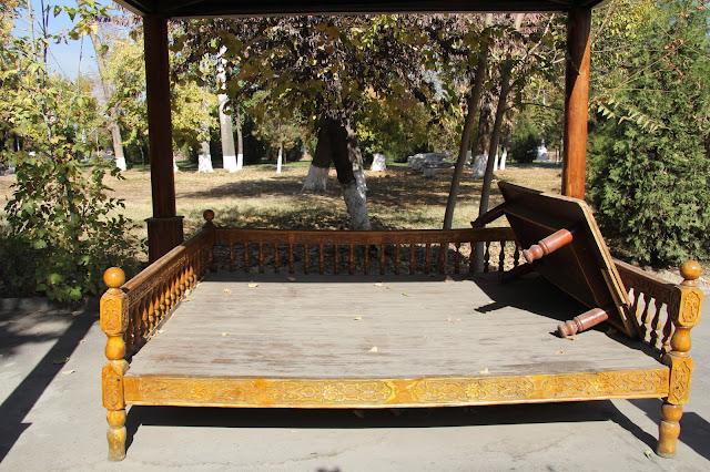 Ouzbékistan, Tachkent, tapchane, tapshan, © L. Gigout, 2012