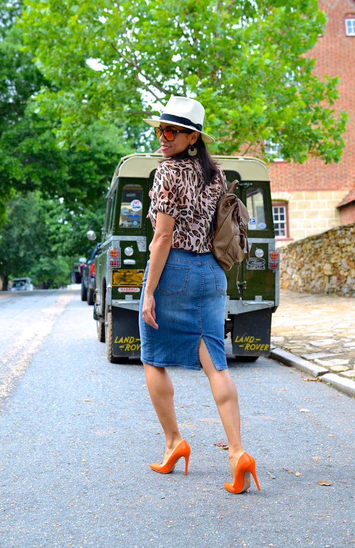 LEOPARD BLOUSE DENIM SKIRT