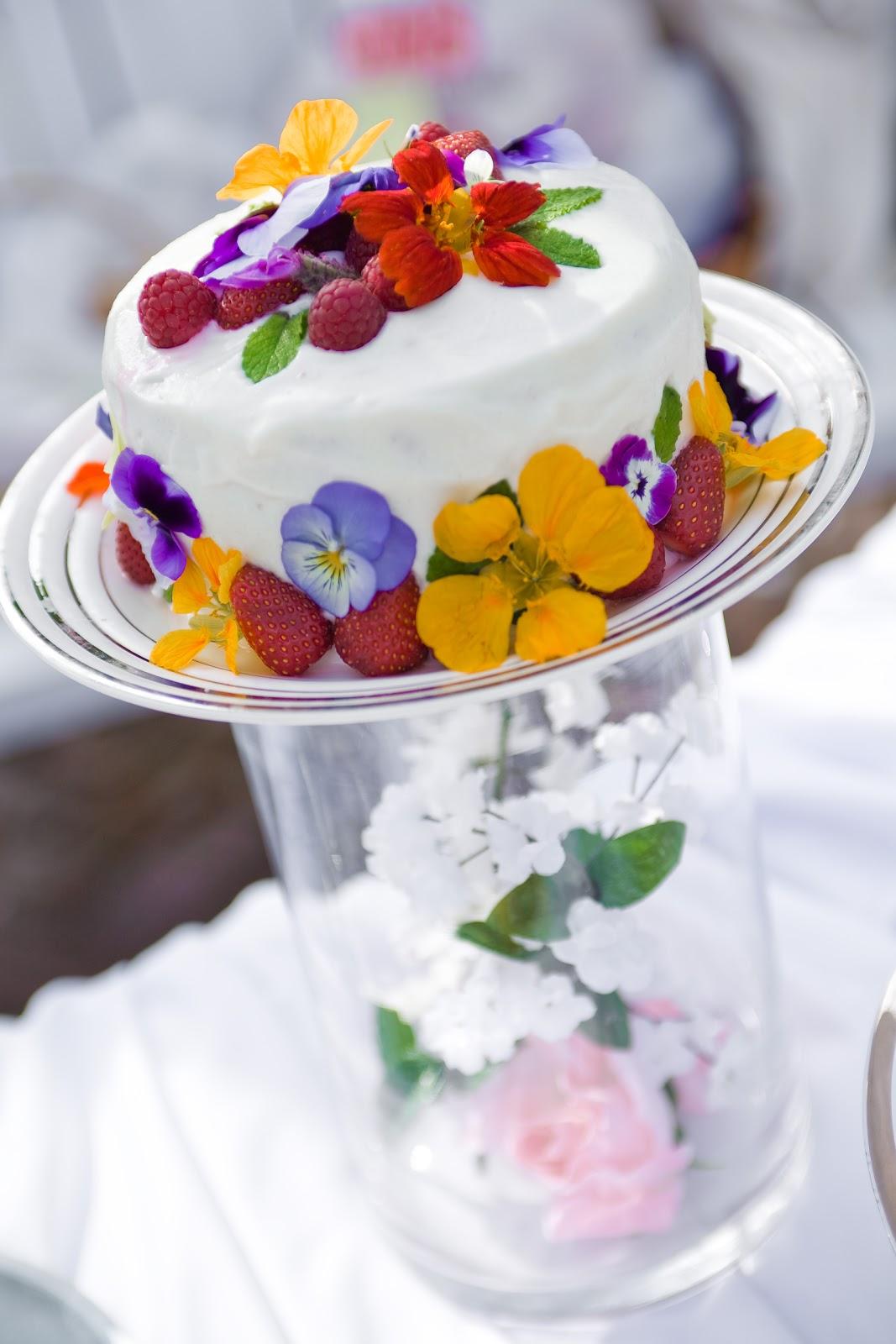 Lois Miller's Greenspeak: Eat Your Flowers Everyday