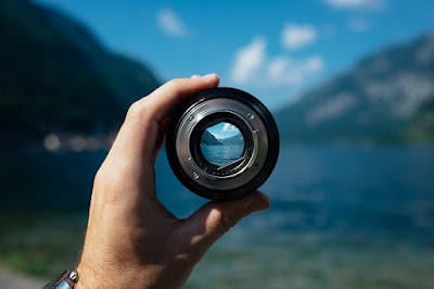 an image that show camera lens