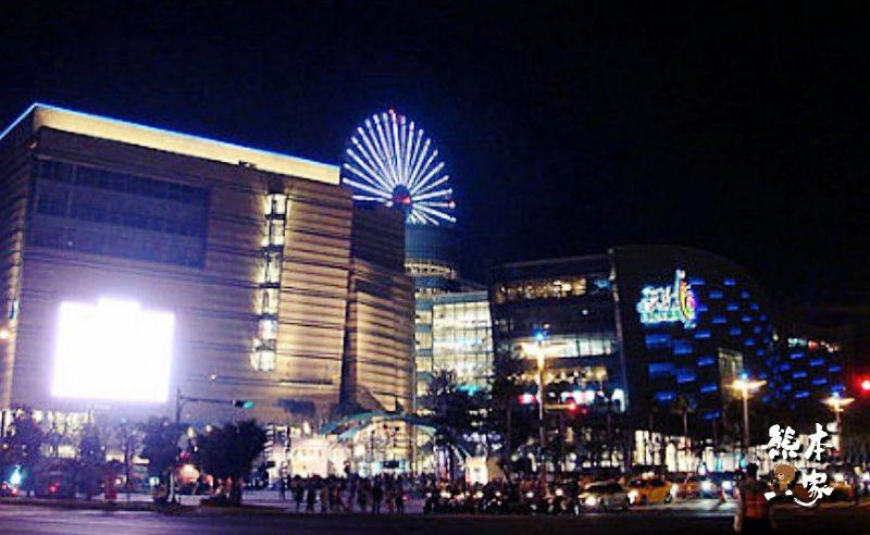 高雄捷運凱旋站景點|統一夢時代購物中心|夢時代廣場
