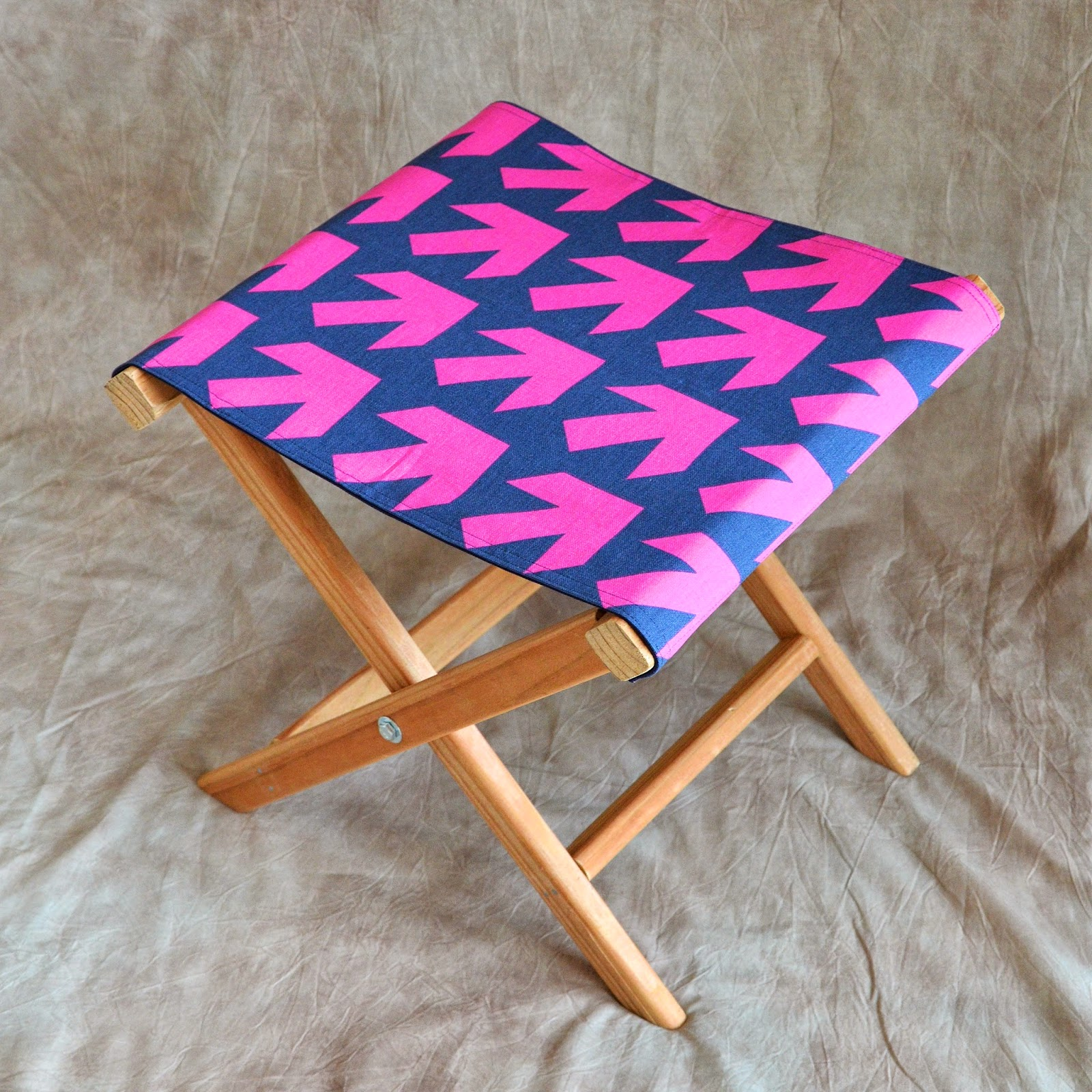 Ikat Bag Folding Camp Stools In Arrow