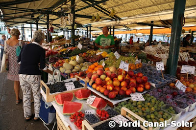 Paradita en el Mercado de Rialto de Venecia