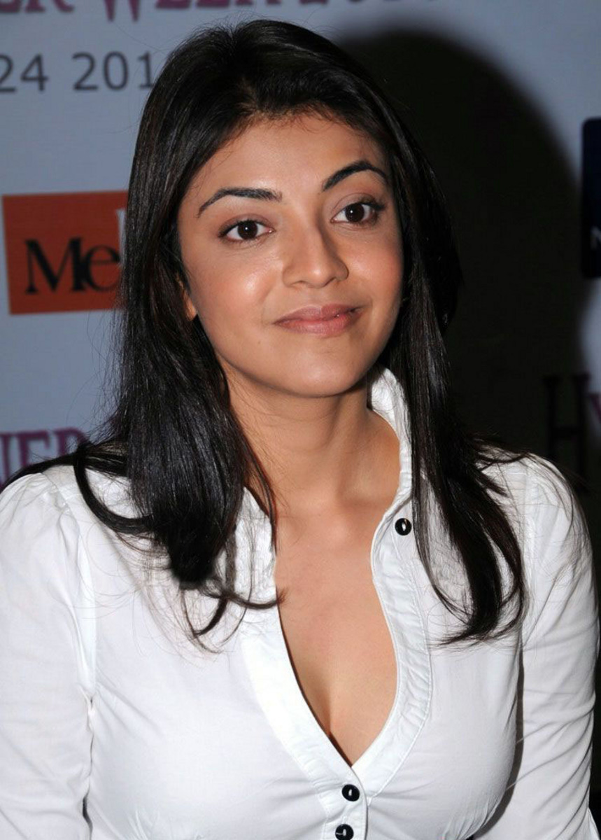 Kajal agarwal sexy boobs