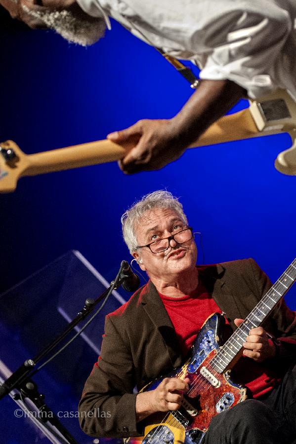 Marc Ribot amb Jamaaladeen Tacuma, La Zurriola, Donostia-San Sebastián, 21-jul-2016