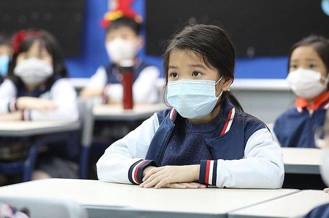 Học sinh trở lại trường sau thời gian nghỉ phòng Covid-19: Phụ huynh, nhà trường cần chuẩn bị gì